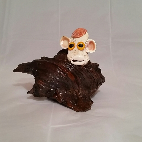 Handmade Other - Handmade Driftwood and Shell Monkey Face